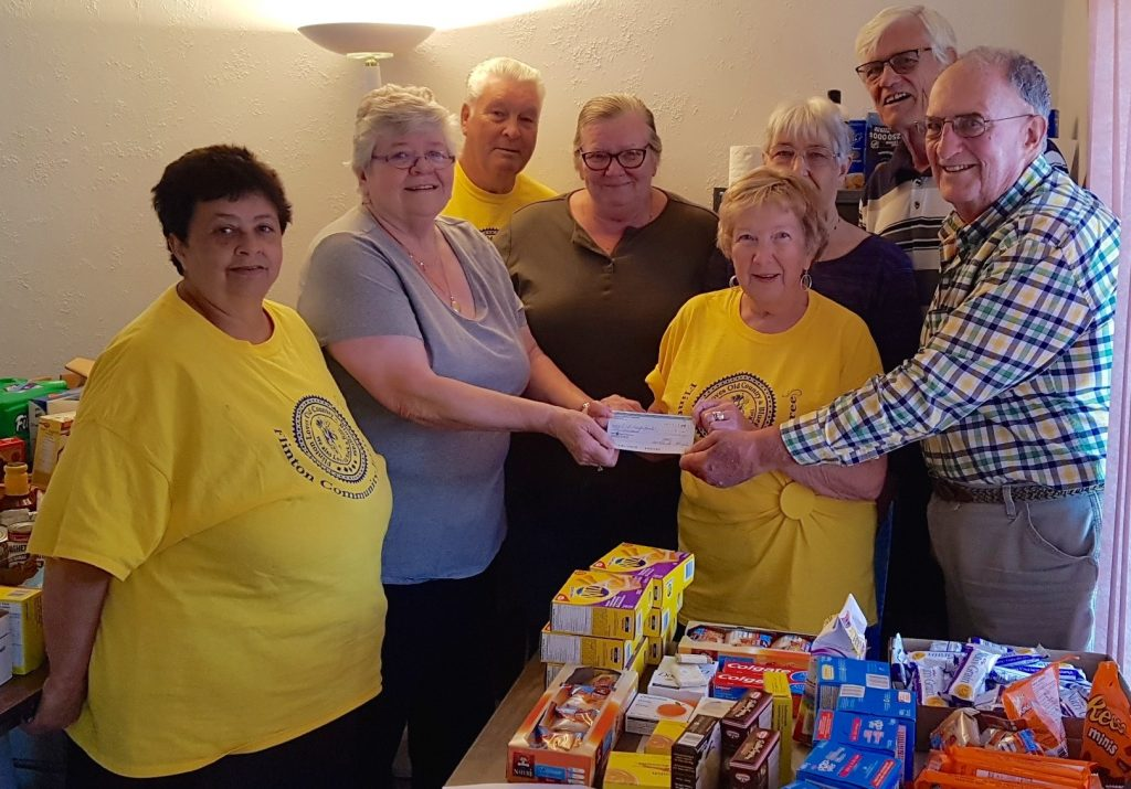 Flinton Community Jamboree Donates $1000 to Land O' Lakes Emergency Food Bank