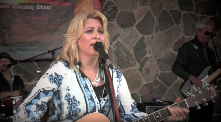 Wendy Lynn Snider to Perform Friday, August 2nd in Flinton!